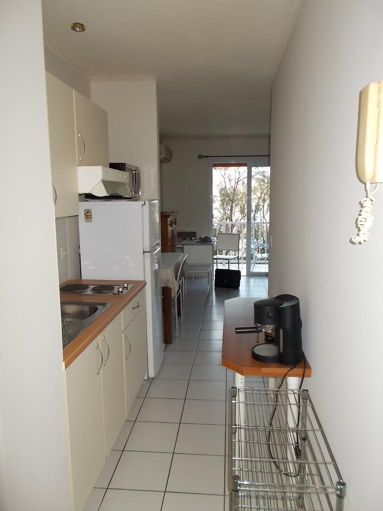 Appartement f1 meubl baie des citrons dclicimmo for Simulateur sdb