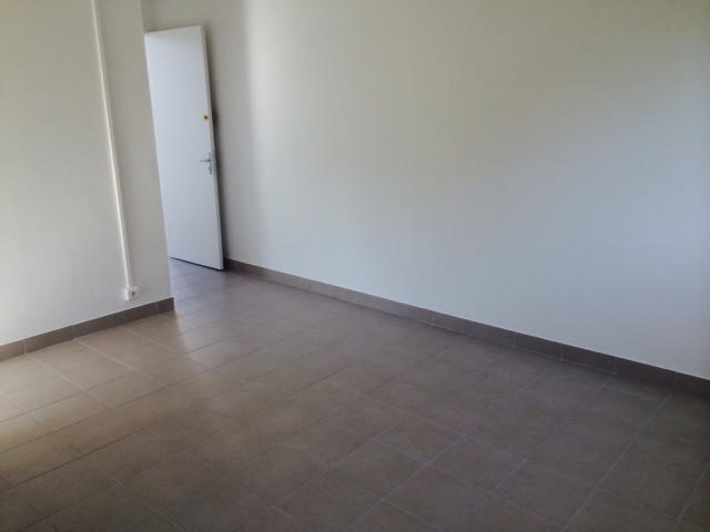 Appartement f2 trianon dclicimmo for Simulateur sdb