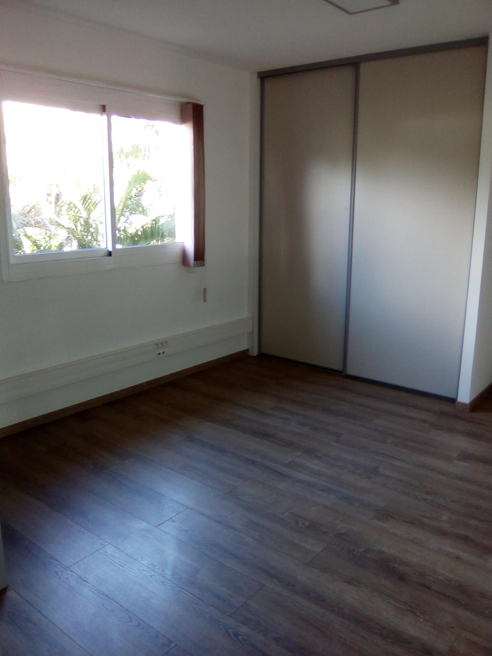 bureaux green valley dclicimmo. Black Bedroom Furniture Sets. Home Design Ideas